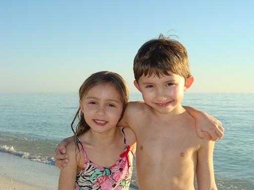 kids_beach_naples_2013_512x284