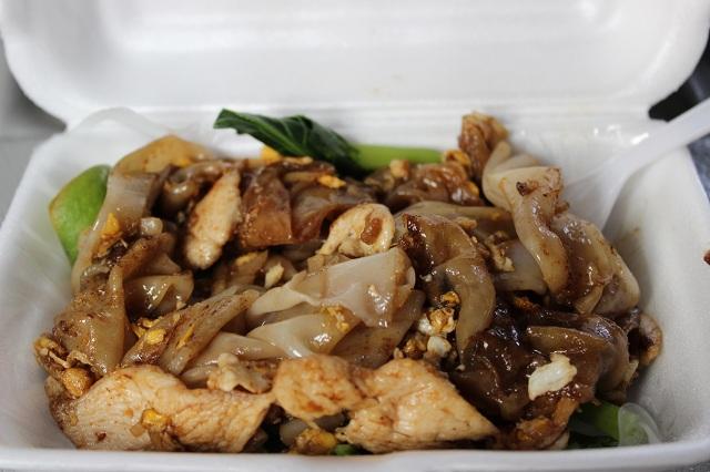 chiang_mai_temple_noodles