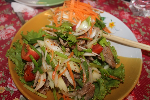 papaya-salad-spicy-beef
